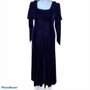 COPY - The Pyramid Collection velvet dress